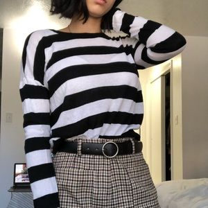 Divided Tops - H&M Striped Crew Neck knit long sleeve Size Small